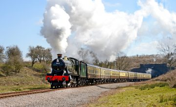 Cheltenham to Broadway (Cotswolds) by Steam Train